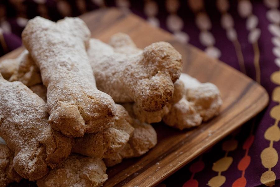 Ossa di morto, tipici biscotti associati alla Festa dei Morti