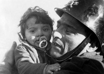 Gibellina, 1968, Nino Furnari Il piccolo Franco estratto vivo dalle macerie dopo 30 ore