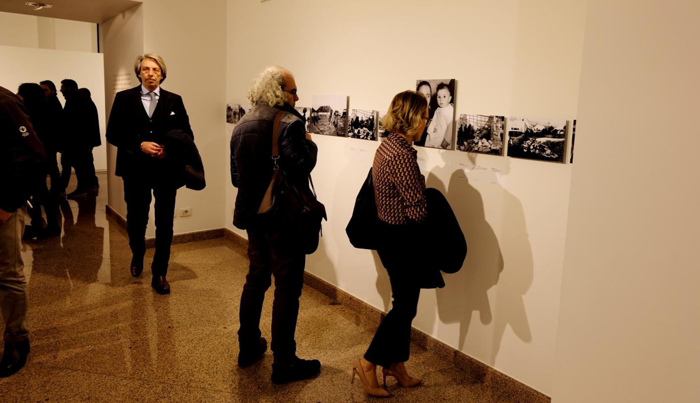 Un momento dell'inaugurazione. Foto di Nuccio Condorelli