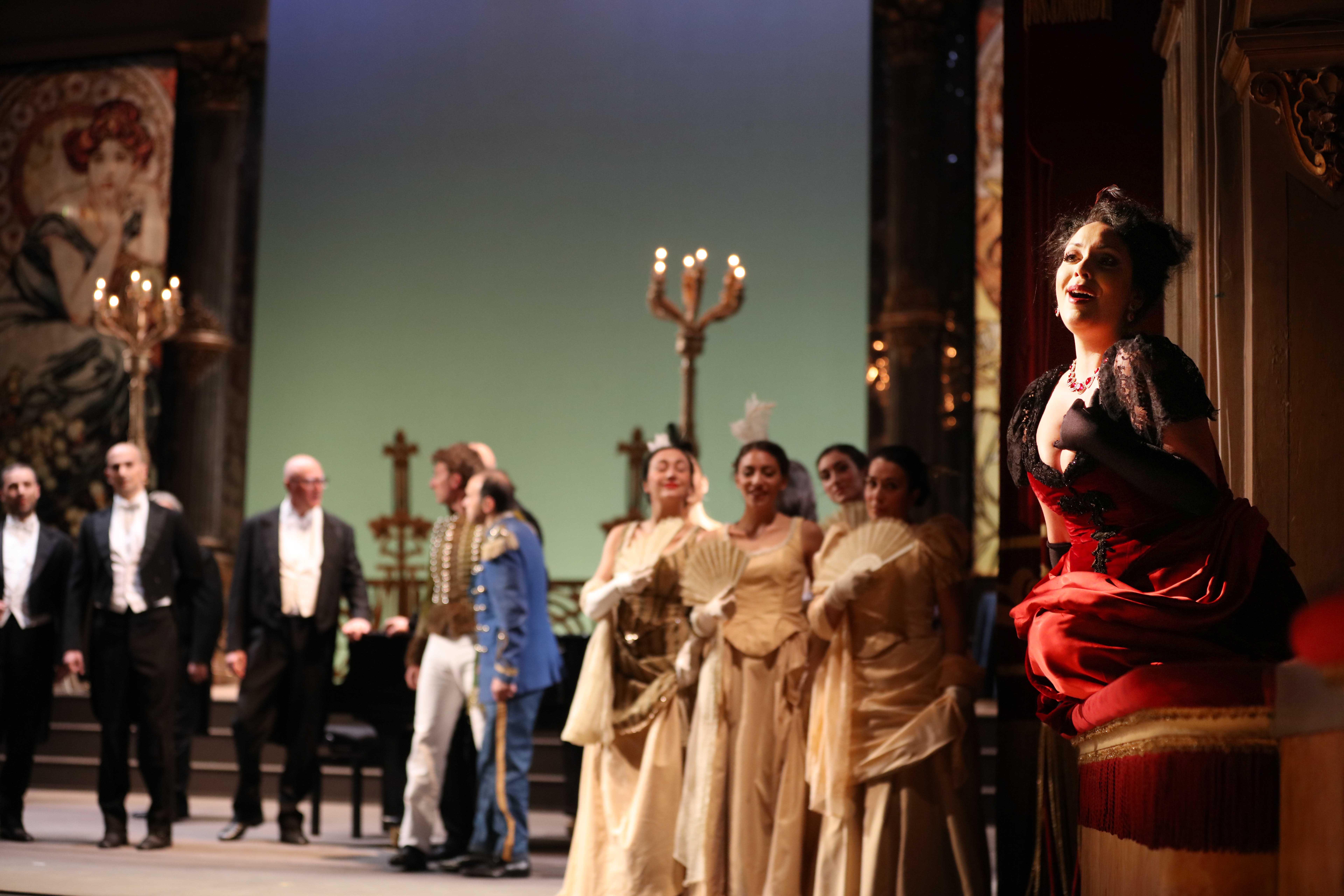 """Anastasia Bartoli nei panni di Olga esegue l'aria """"Il parigino"""" (Foto di Giacomo Orlando)"""""""