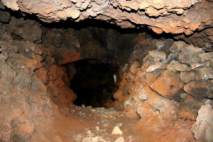 L'ingresso di una cava di rena rossa