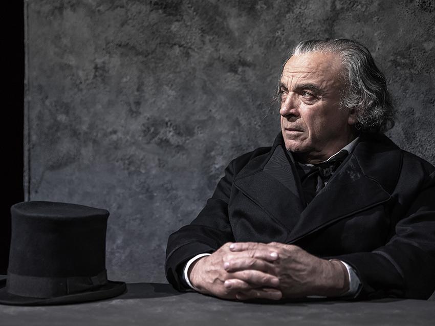 Franco Branciaroli nel ruolo di Jean Valjean (foto di Stefano Di Luca))