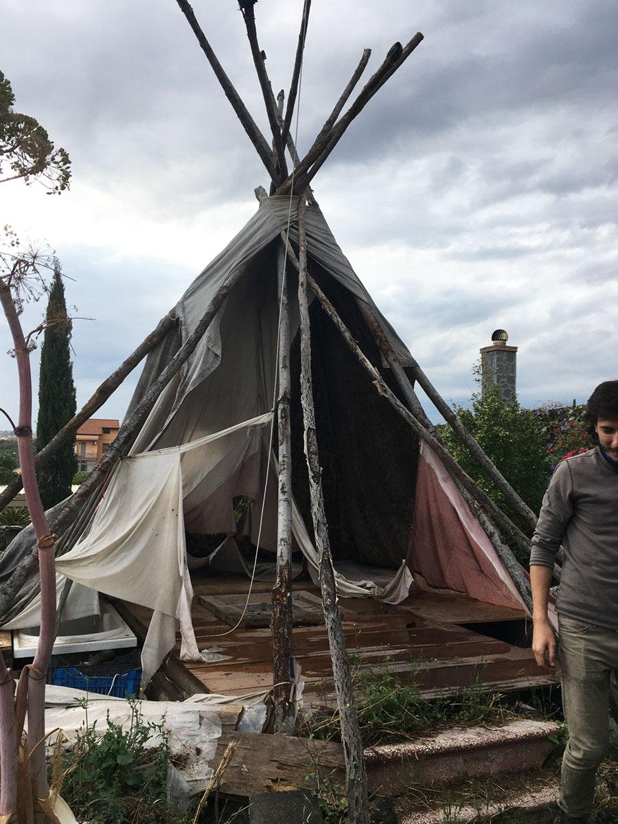 "La tenda ""Tepee"" di Giuseppe La Rosa"